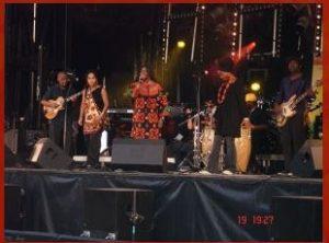 Angelina Tezanou en concert à la Tour Eiffel